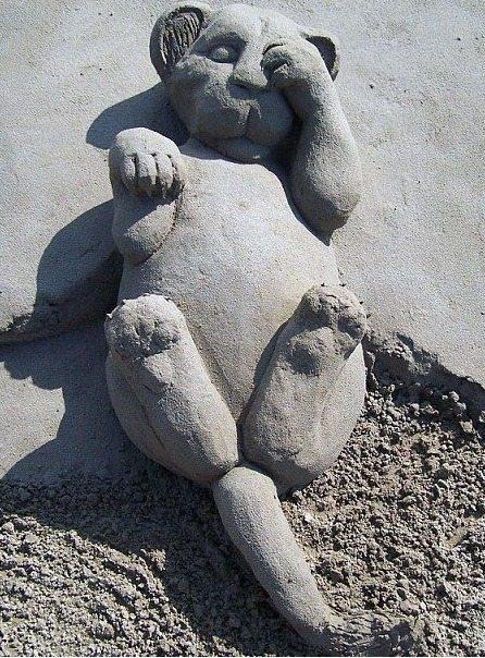 흔한 해변의 모래아트1.jpg