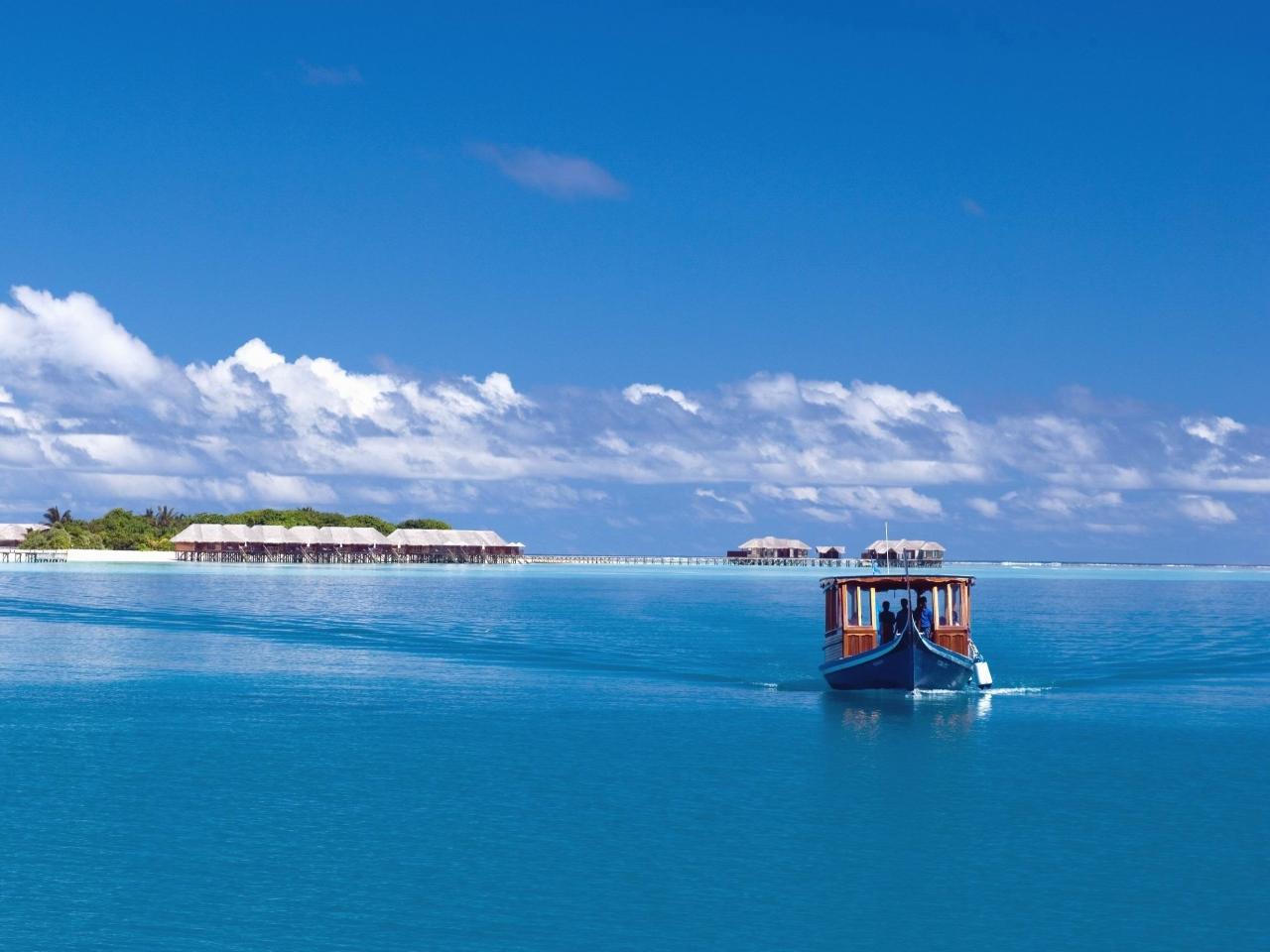 maldives-tropics-sea-island-boat.jpg