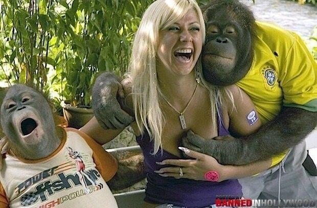 가슴에 집착하는 변태 원숭이들4.JPEG